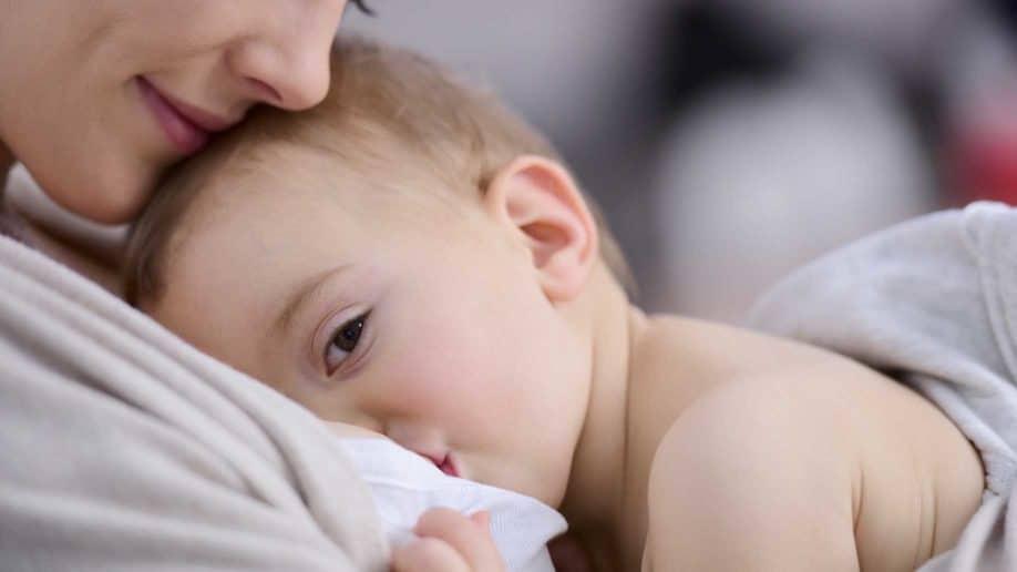 Biegunka u niemowlęcia - karmienie piersią