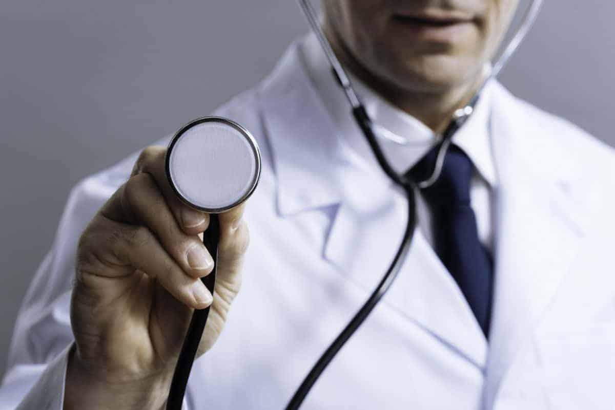Lekarz i prawdziwe przyczyny problemów zdrowotnych u dzieci