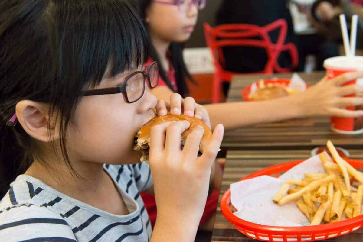 6 najgorszych pokarmów dla dziecka