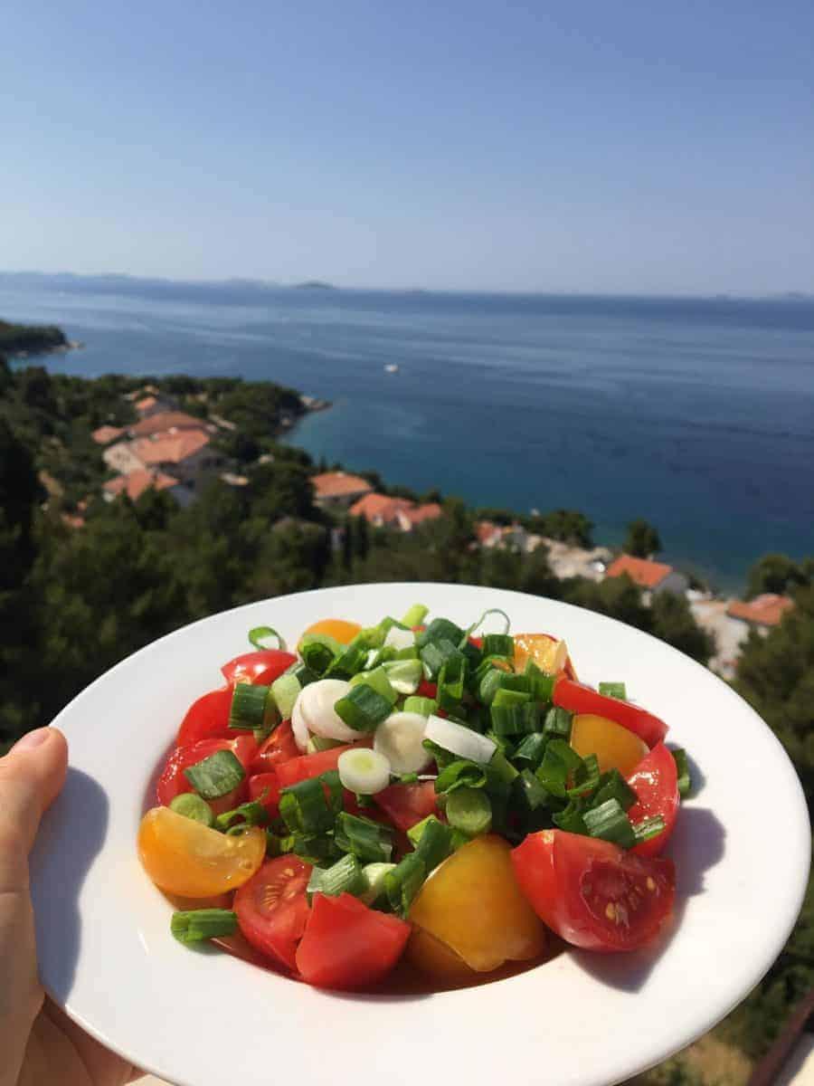 Co jeść, aby naturalnie chronić się przed słońcem